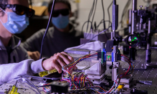 University of Michigan students measure focal stack images